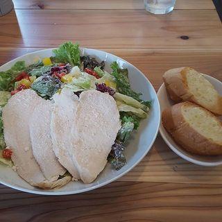 ________________Chicken_Caesar_salad_lunch___.jpg